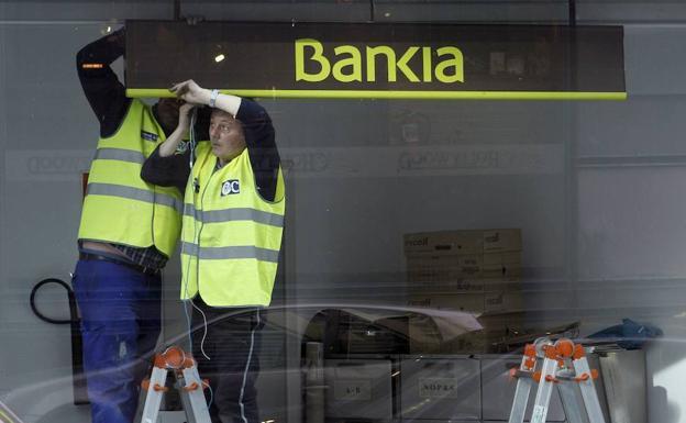 Bankia aclara que su fusi n con otro banco solo es una for Oficinas de bankia en madrid