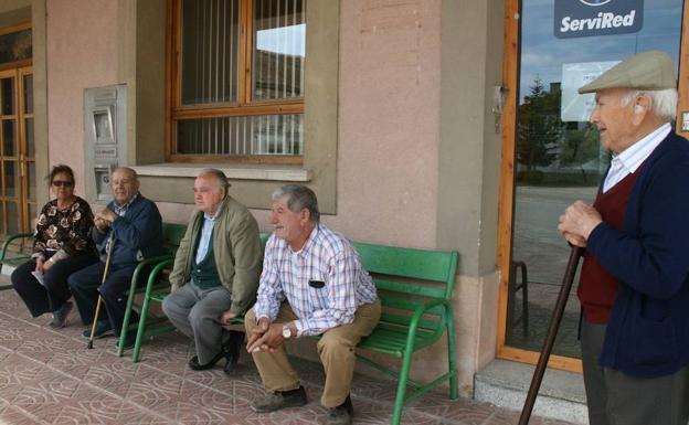 Treinta mil castellanos y leoneses se quedan sin sucursal for Oficinas de bankia en valladolid