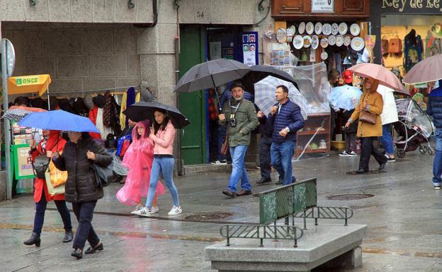 Las temperaturas mínimas se desploman 12,6 grados en <h3 class='enlacePalabraNoticia' onclick='opcionBuscarActualidad('Segovia','')' >Segovia</h3>