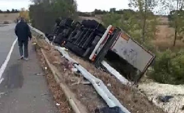 Muere Un Camionero De 54 Anos En Un Accidente En Cervatos De La
