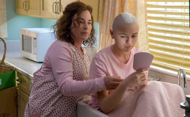Patricia Arquette y Joey King, en 'The Act'.