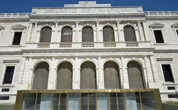 Trib.Audiencia de Valladolid confirma la condena de dos mujeres por hurto de prendas que ocultaban en cochecitos de bebé