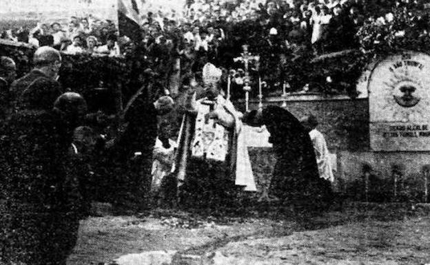 Imagen de la inauguración de la fuente, en 1938.