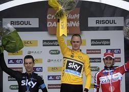 Froome, en el podio final de la carrera. / Afp