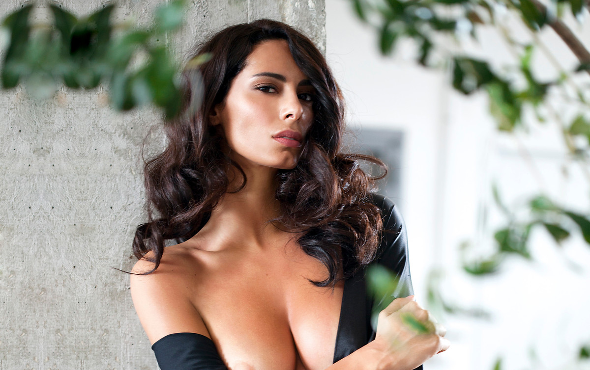 La Modelo Raffaella Modugno La Pedroche Italiana Se Desnuda Para